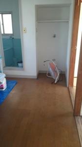 空室キッチン床清掃前