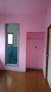 室内壁ピンク
